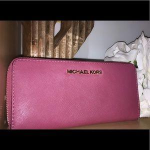 Michael Kors Continental zip wallet PINK